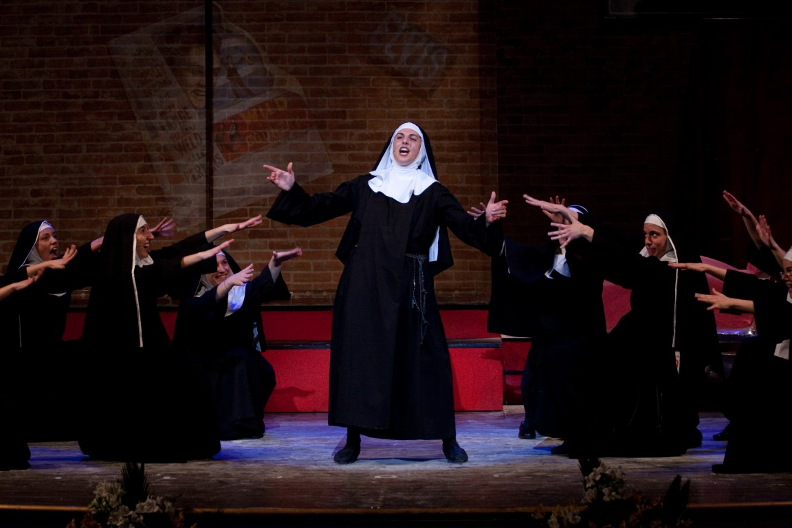 SANT'ELPIDIO A MARE: «NUNSENSE», IL MUSICAL DELLE SUORE IN SCENA SABATO 9 FEBBRAIO