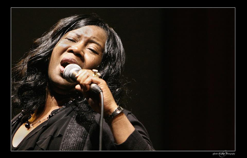 MATELICA, GOSPEL SOTTO L'ALBERO IL 26 DICEMBRE AL TEATRO PIERMARINI CON MILDRED DANIELS & THE GOSPEL VOICES