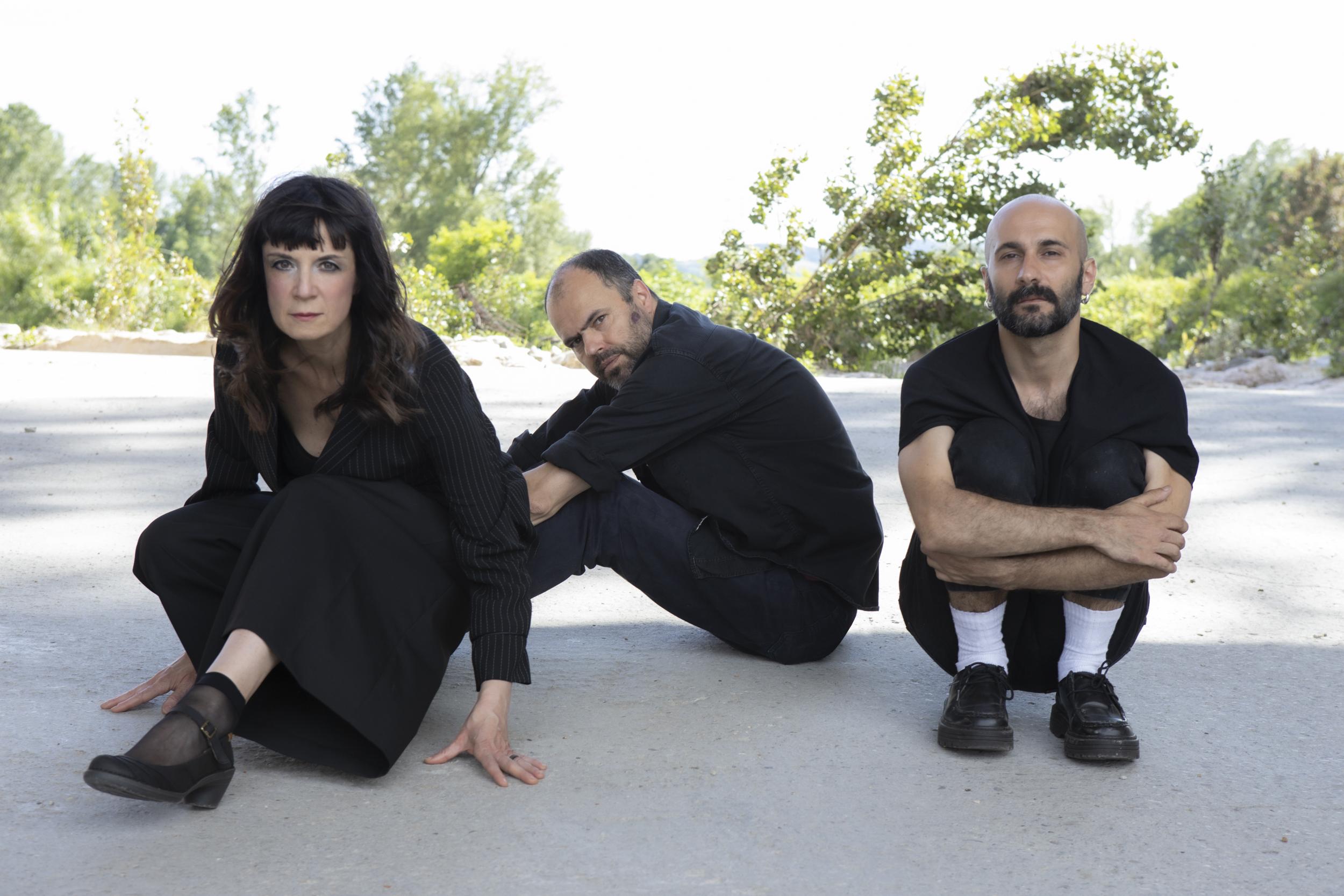 PERPENDICOLARE di e con Cristina Donà, Daniele Ninarello, Saverio Lanza
