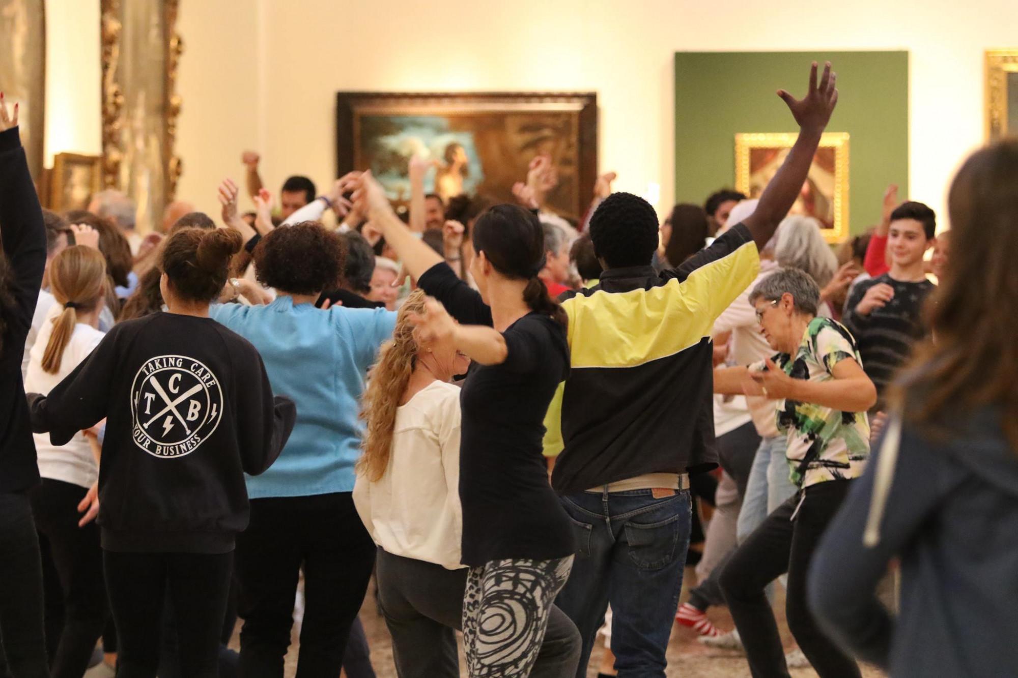 """RECANATI: AL VIA IL PROGETTO REGIONALE """"DANCE WELL"""" ASSEGNATE LE 10 BORSE DI STUDIO A COREOGRAFI E DANZATORI MARCHIGIANI IMPEGNATI NEL CORSO DI FORMAZIONE CON ARTISTI GIAPPONESI E DI HONG KONG"""