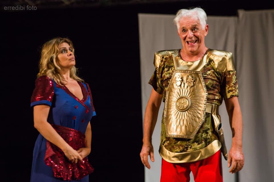 ANFITRIONE con Debora Caprioglio e Franco Oppini